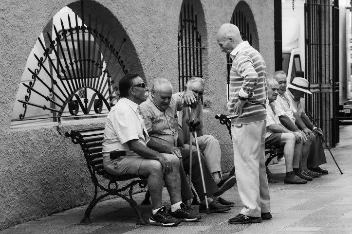 Männer auf dem Markt.jpg